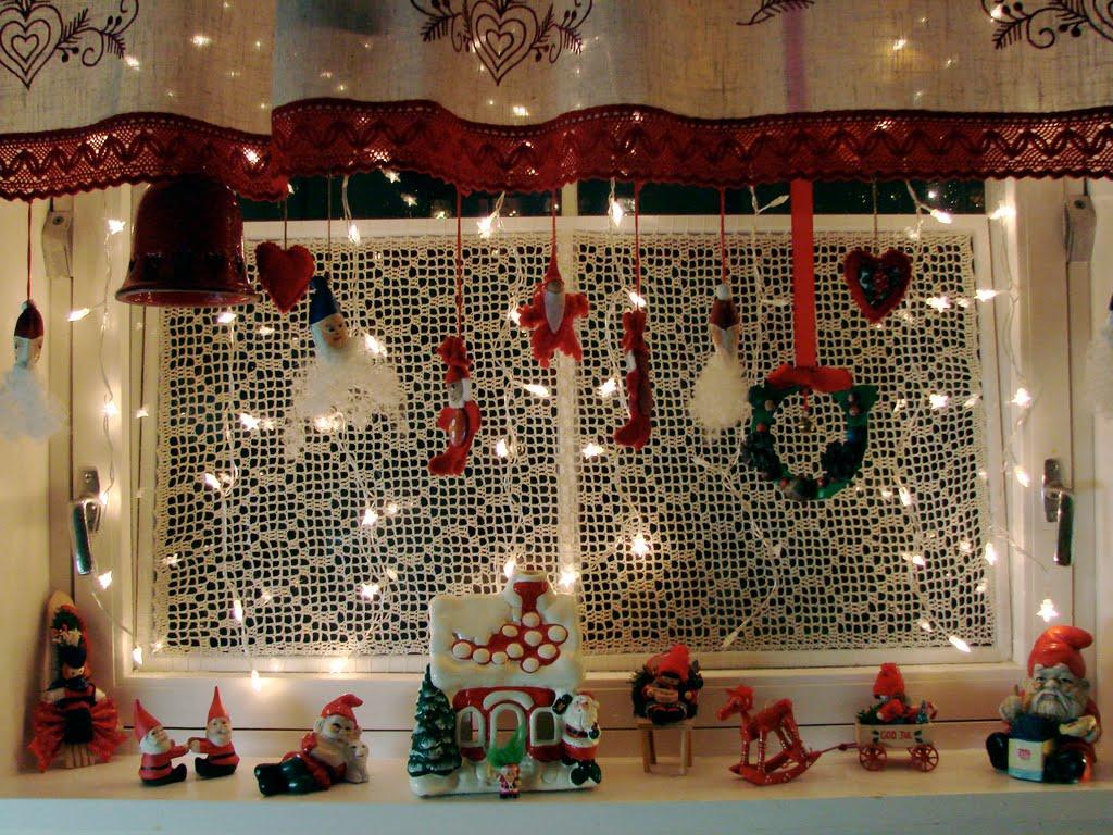 christmas_window_decorations_ideas5.jpg
